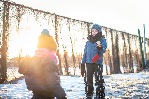Kids in snow - Family Documentary Photography