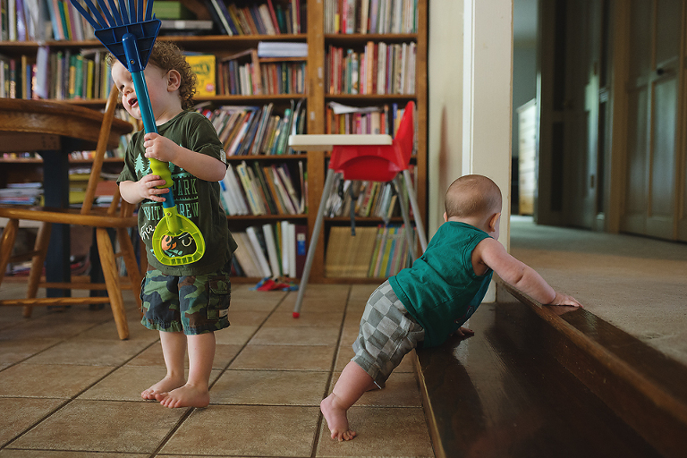 kids playing independently - Family documentary Photography