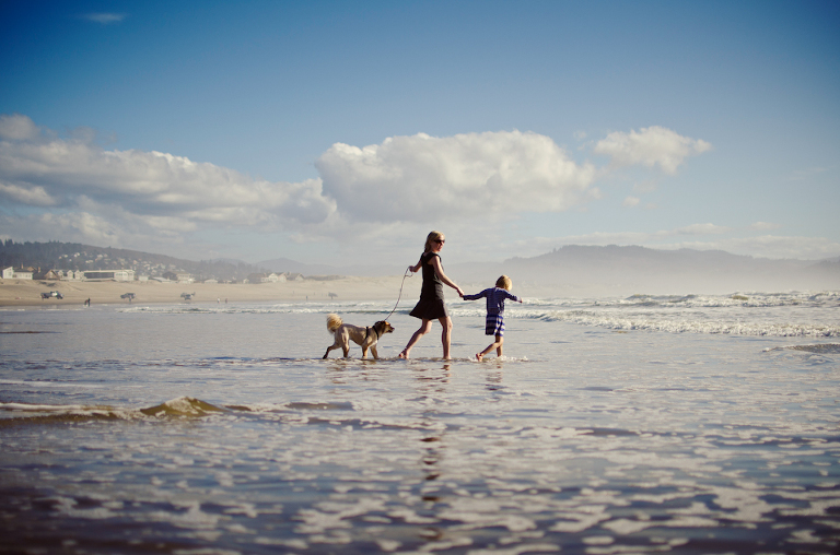 Family on beach - Perfectly Real Artist - Phillip Wise - Family Documentary Photography