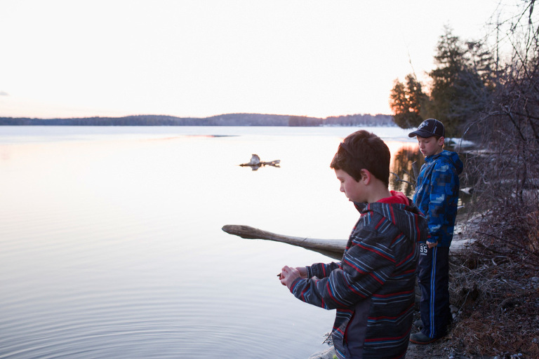 Kids fishing with family - Family Documentary Photography