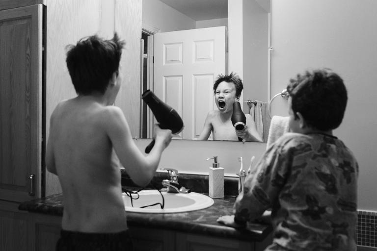 Boys with hair dryer - Family Documentary Photography