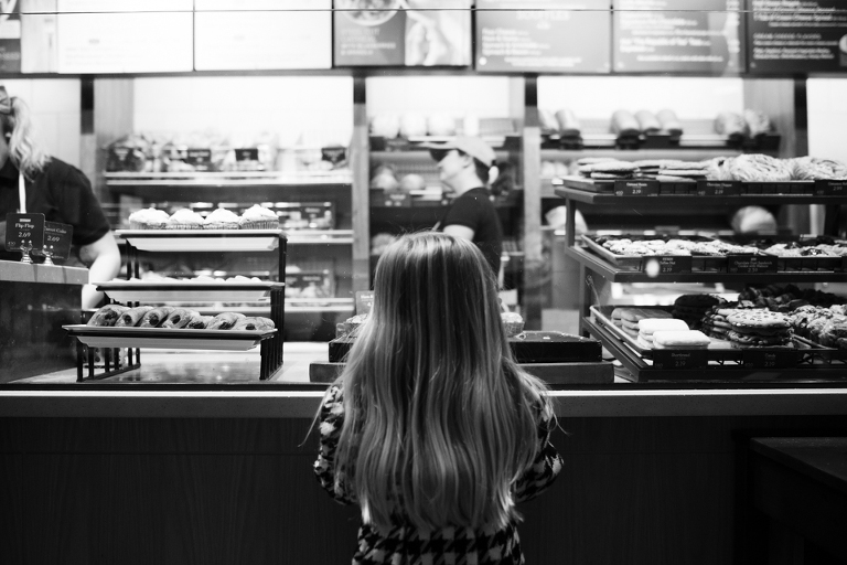 girl at restaurant counter - Family Documentary Photography