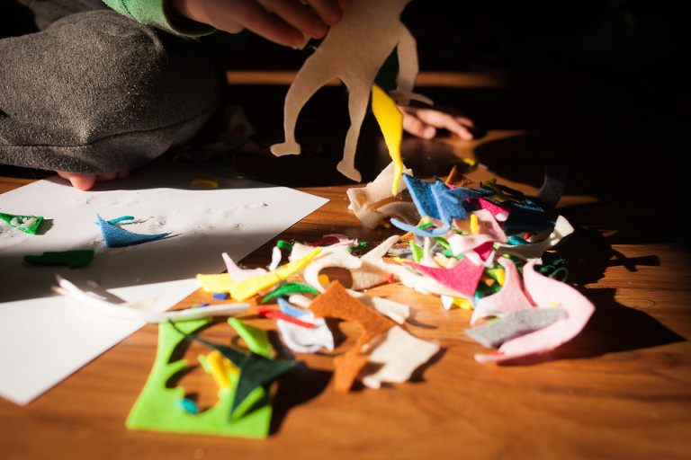 Kids and paper crafts - Family Documentary Photography