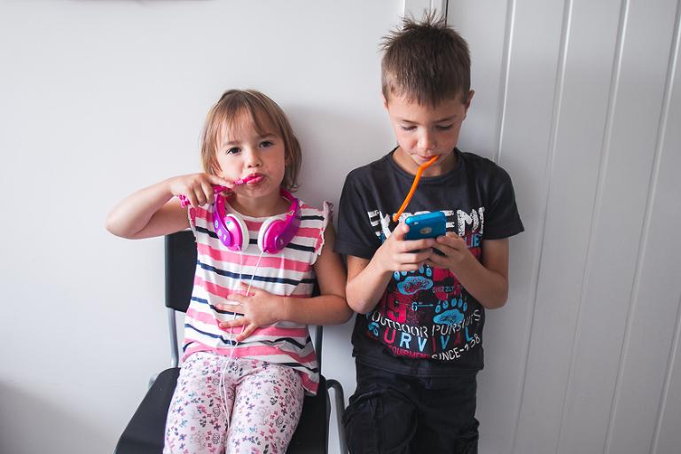 kids brushing teeth - family documentary photography