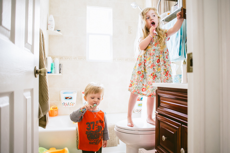 kids brushing teeth - Documentary Family Photography