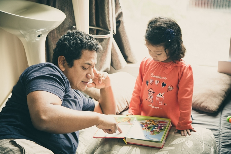father reads to daughter - http://www.shamoftheperfect.com/september-26-2016/