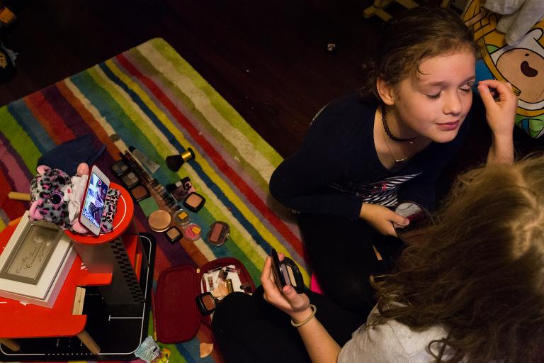 girls create makeup tutorial - Documentary Family Photography