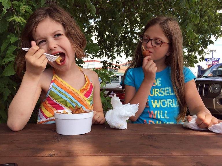 girls eating ice cream - Documentary Family Photography
