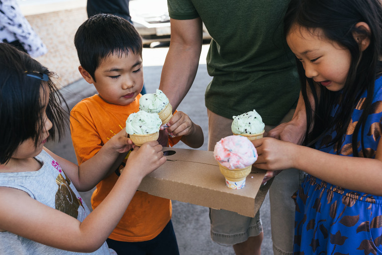 kids with ice cream - Documentary Family Photography