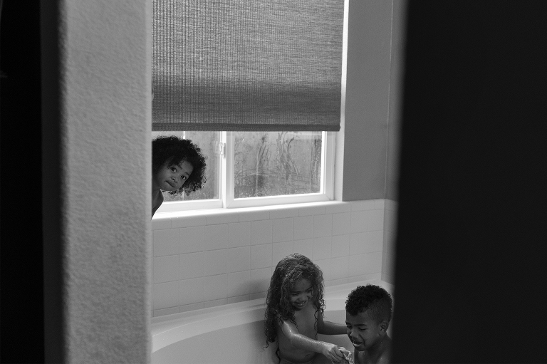kids in tub - Documentary Family Photography