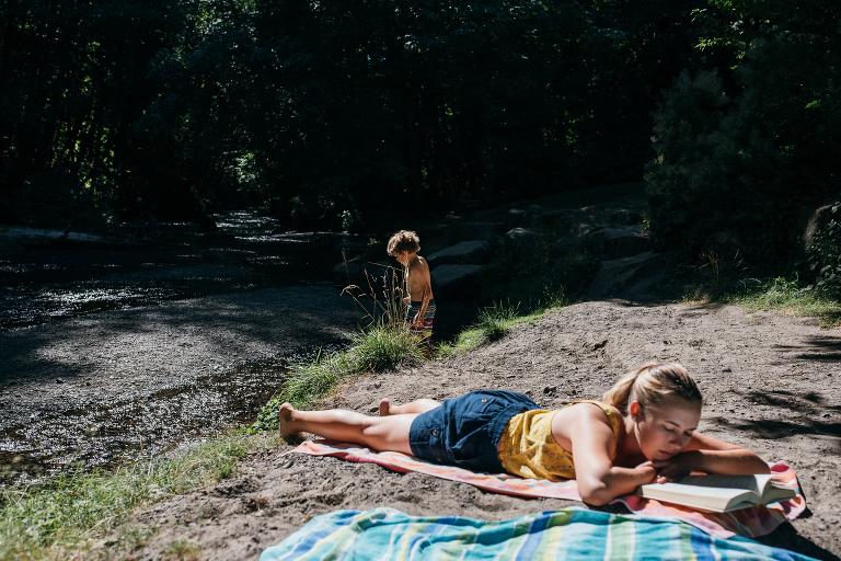 Kids at beach - documentary family photography