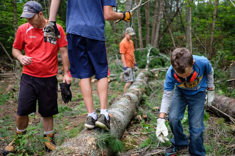 kids on log - documentary family photography