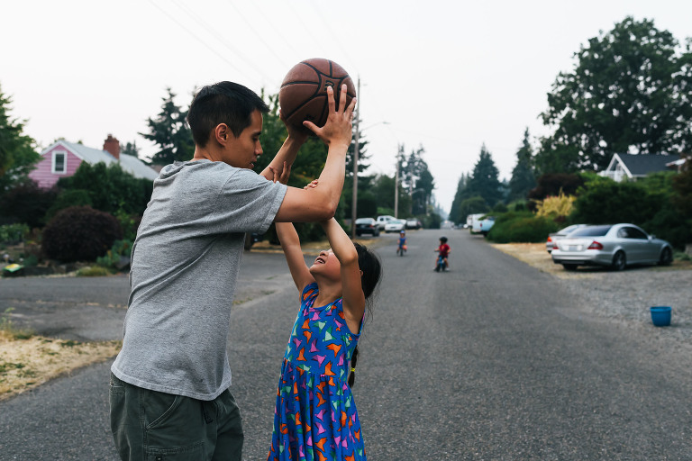 father and daughter play basketball - Documentary Family Photography