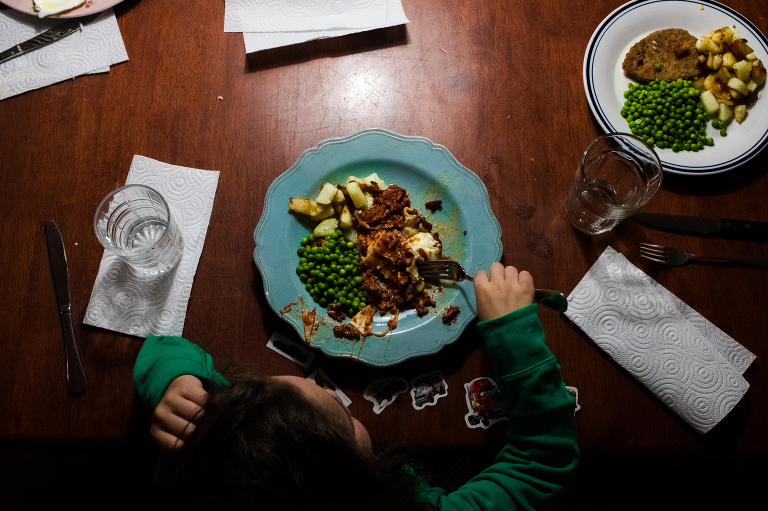 family dinner - documentary family photography