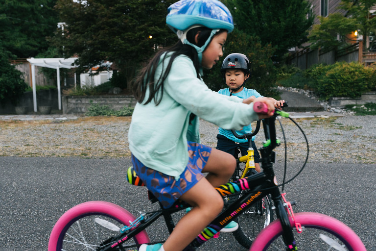 kids writing bikes - documentary family photography
