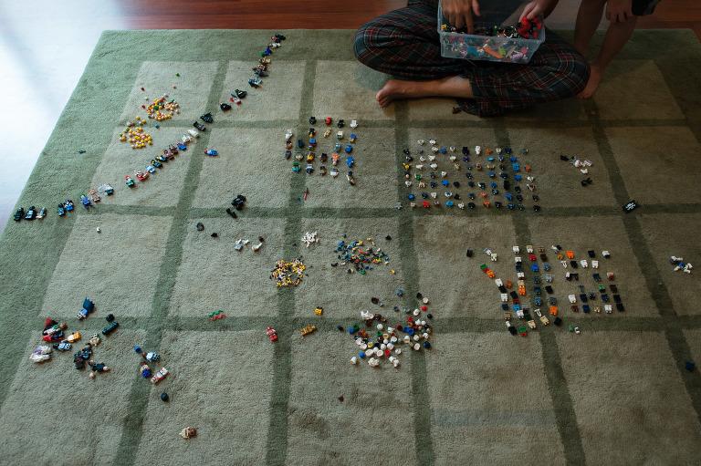 lego sorting - documentary family photography