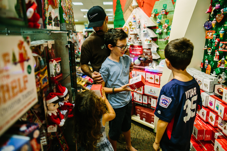 kids shopping for ornament - documentary family photography